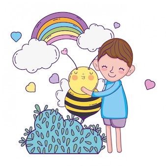 Petit garçon avec personnage abeille kawaii