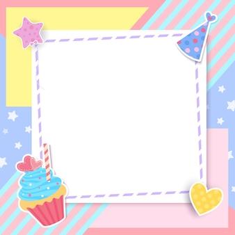 Petit gâteau mignon avec cadre sur pastel.