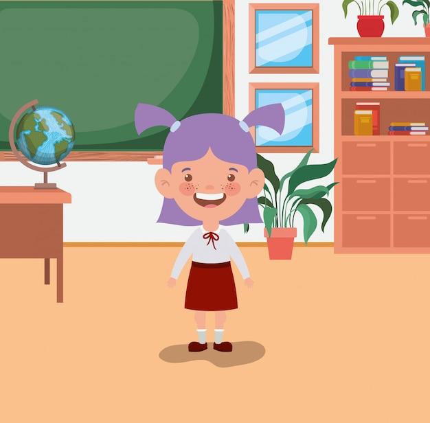 Petite étudiante en classe
