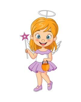 Petite fille de dessin animé portant le costume d'ange d'halloween