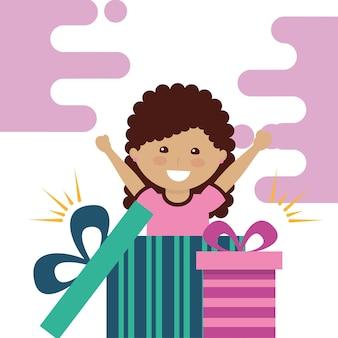 Petite fille heureuse à l'intérieur de la boîte-cadeau ouverte célébration de la fête vector illustration