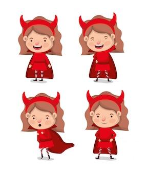 Petites filles avec des personnages de costumes de diables