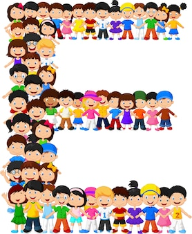 Les petits enfants forment l'alphabet e