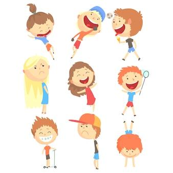 Petits enfants jouer et courir, s'amuser en vacances d'été à l'extérieur ensemble de personnages de dessins animés cool