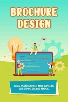 Petits enfants mignons apprenant le codage. ordinateur portable, ampoule, programme illustration vectorielle plane