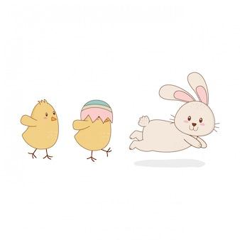 Petits poussins avec des personnages de pâques lapin
