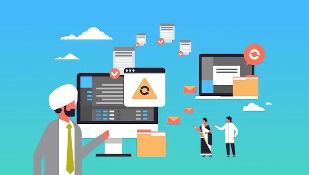 Peuple indien travaillant transfert de données concept synchronisation ordinateur bannière de connexion