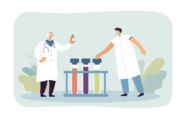 Pharmaciens faisant des recherches en laboratoire