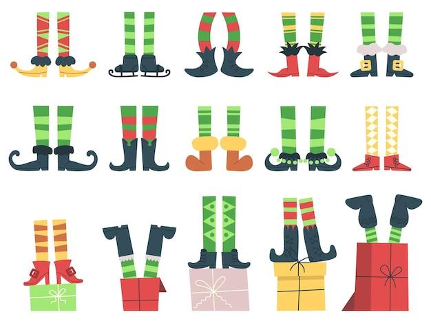 Pieds de lutins de noël. le père noël mignon aide les jambes dans les bottes et les chaussettes rayées ensemble d'illustrations vectorielles. pieds d'elfe de noël drôle de dessin animé. elfe ou lutin pattes rayées au costume de noël