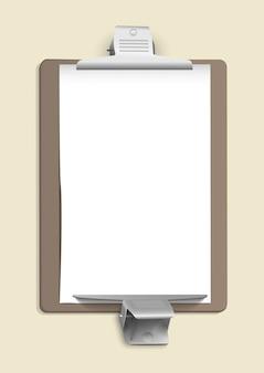 Pinces métalliques sur la feuille de papier