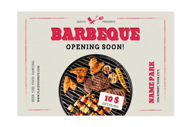 Pique-nique barbecue avec différents types de viande
