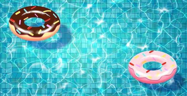 Piscine avec anneau de natation réaliste flottant, eau bleue, ondulations et reflets.