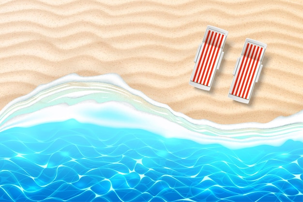 Plage en bord de mer avec des chaises longues vagues azur sur la côte de sable vacances d'été au bord de la mer