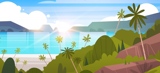 Plage tropicale en bord de mer avec paysage de palmiers et montagnes