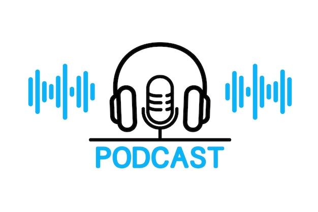 Podcast. microphone de studio avec podcast de texte diffusé. enregistrement audio de la webdiffusion. casque et microphone pour enregistrement radio ou studio. concept plat de diffusion radio en ligne