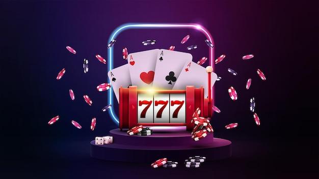 Podium avec machine à sous rouge casino, jetons de poker, cartes à jouer et cadre carré néon dégradé dans une scène vide sombre.