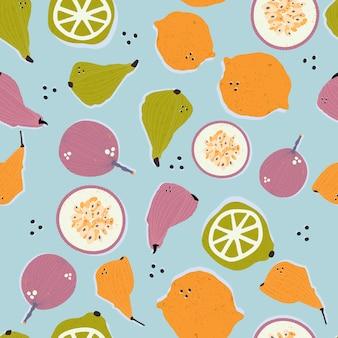 Poires dessinées à la main colorées, fruits de la passion, citrons et limes en modèle sans couture de vecteur