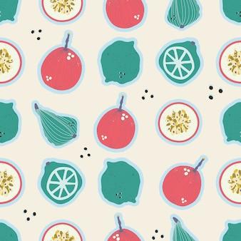 Poires dessinées à la main colorées, fruits de la passion, citrons et limes, modèle sans couture