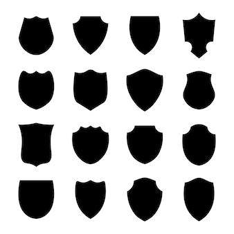 Police bouclier forme noire boucliers héraldiques emblèmes vierges étiquettes vectorielles de sécurité