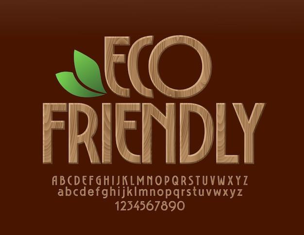 Police écologique en bois naturel. lettres, chiffres et symboles de l'alphabet de modèle d'arbre bio