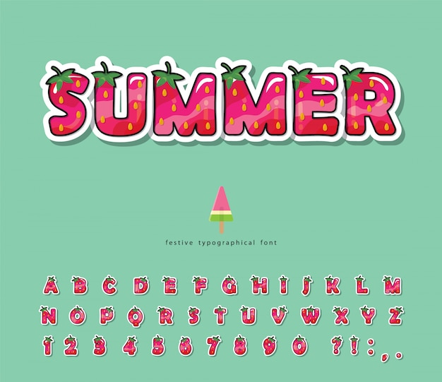 Police d'été. alphabet aux fraises de dessin animé.