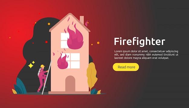 Pompier en uniforme utilisant un jet d'eau d'un tuyau pour la maison en flammes