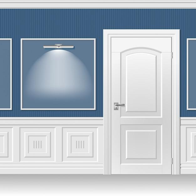 Porte dans le mur bleu