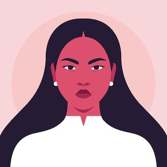 Portrait de femme asiatique en colère aux cheveux longs