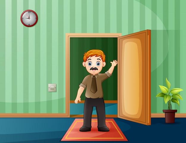 Position homme, dans, sien, maison, devant, porte ouverte