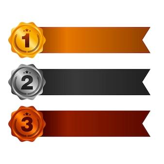Première, deuxième et troisième place. ensemble de médailles de récompense isolé sur blanc avec des rubans et des étoiles. bannière horizontale illustration vectorielle.