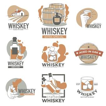Production de l'industrie de l'alcool, marque de whisky ou de brandy, étiquettes isolées ou emblèmes avec fûts de chêne et bouteilles