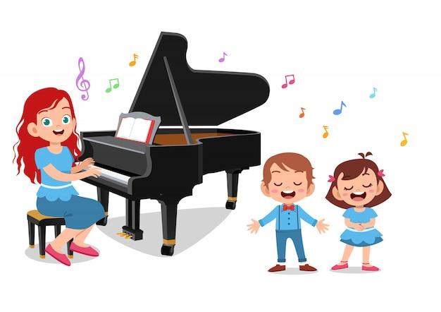 Professeur jouer pianos
