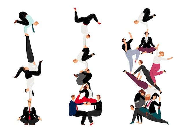 Pyramide humaine d'affaires. ensemble de succès de travail d'équipe