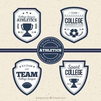 Quatre badges rétro pour les sports universitaires