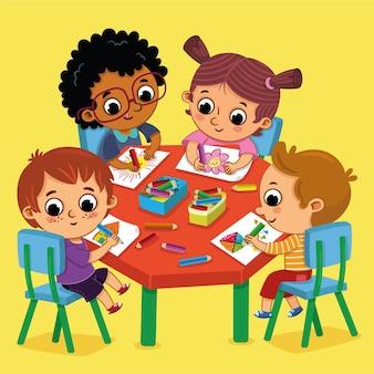 Quatre enfants à la maternelle dessinant joyeusement des images colorées illustration vectorielle