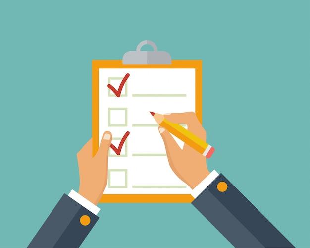 Questionnaire, enquête, presse-papiers, liste des tâches. remplir des formulaires, planifier. présence. homme d'affaires détenant la liste de contrôle et un crayon.