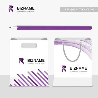 R logo et sac d'affaires