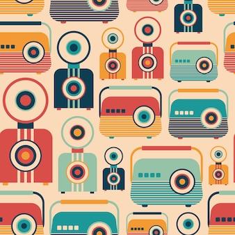 Radios rétro et caméras modèle sans couture.