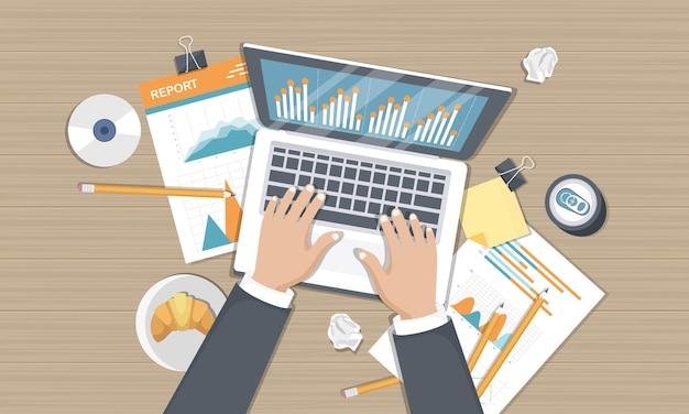 Rapport d'analyse des statistiques sur l'écran de l'ordinateur portable, vue de dessus