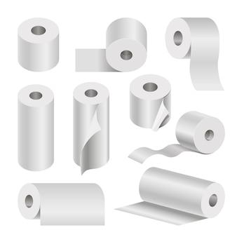 Réaliste rouleau de papier toilette et serviette papier sur fond blanc.