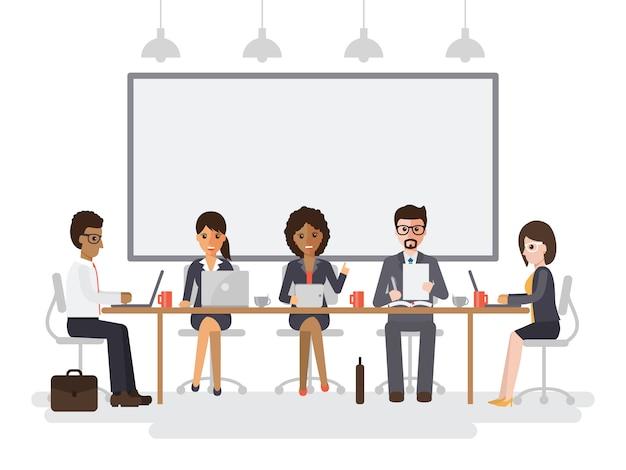 Rencontre d'hommes d'affaires et de femmes d'affaires.