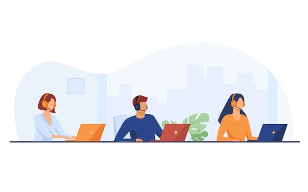 Représentants du support client travaillant dans le centre d'appels