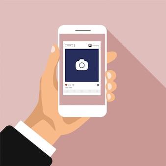 Réseaux sociaux sur un écran de smartphone. modèle d'interface pour application mobile. la main tient le téléphone et cliquez sur un bouton. illustration de cadre photo design plat.
