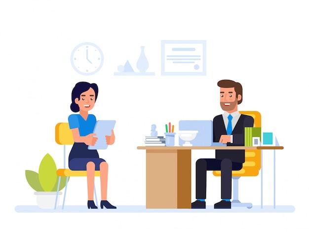 Le responsable des ressources humaines rencontre le demandeur d'emploi dans le bureau du directeur.