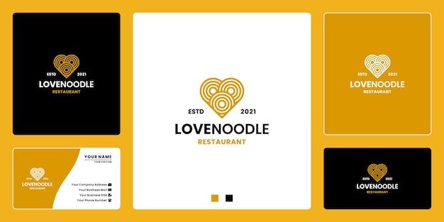 Restaurant de menu de nourriture de conception de logo d'amoureux de nouilles
