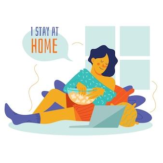 Rester à la maison concept regarder un film sur ordinateur portable