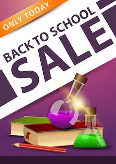 Retour à la vente d'école, bannière rose à remise verticale avec livres et flacons de produits chimiques