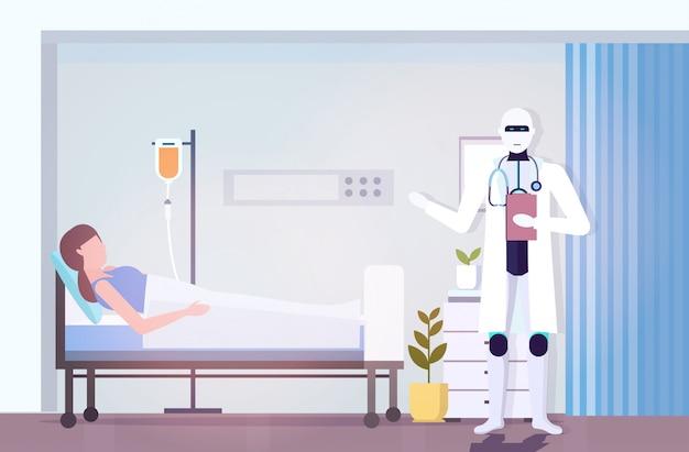 Robot médecin visite femme patient couché dans son lit