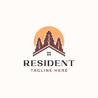 Roof house pine tree avec sunset logo template isolé en blanc