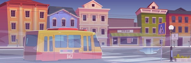 Rue de la ville avec maisons, tramway et brouillard blanc. temps brumeux sombre en ville. illustration de dessin animé de la ville avec tramway sur route de voiture vide, bâtiments avec magasins et brouillard